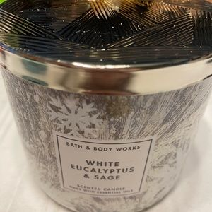 White eucalyptus and sage candle